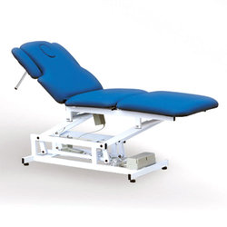 3-х секционный, 3-х моторный массажный стол.